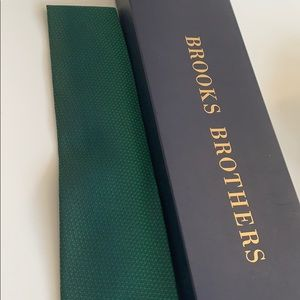 Brooks Brothers Forest green men's tie